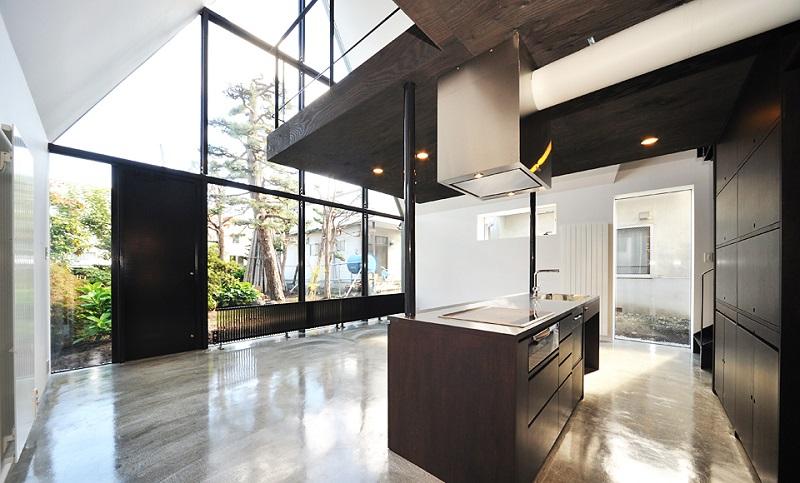 une maison japonaise alliant traditionnel et moderne. Black Bedroom Furniture Sets. Home Design Ideas