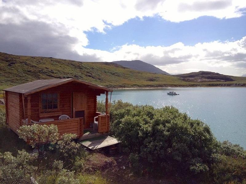 Petite maison en bois au groenland for Petite maison bois