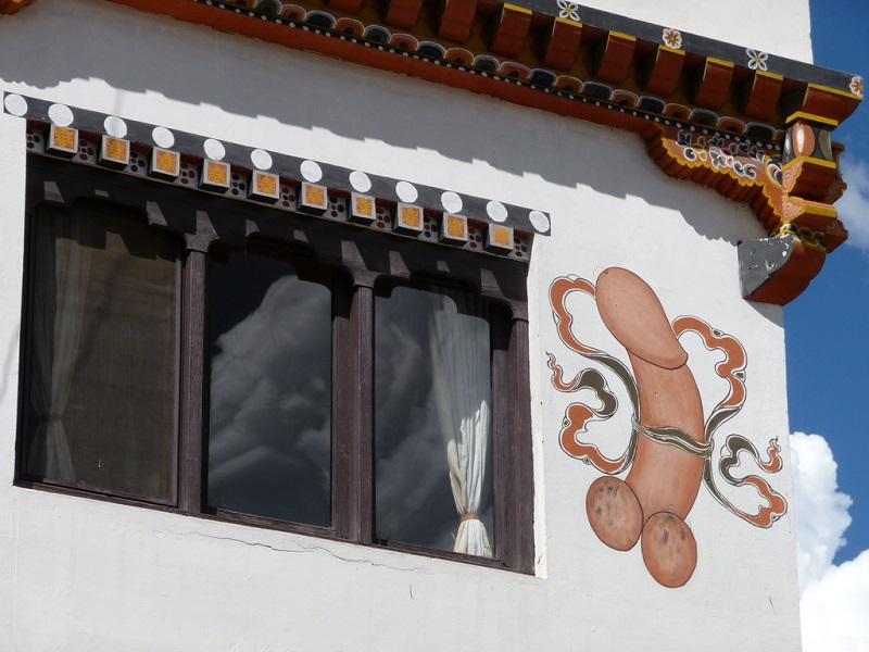 maison phallus bhoutan