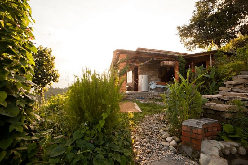 belle maison en pierre pokhara. Black Bedroom Furniture Sets. Home Design Ideas