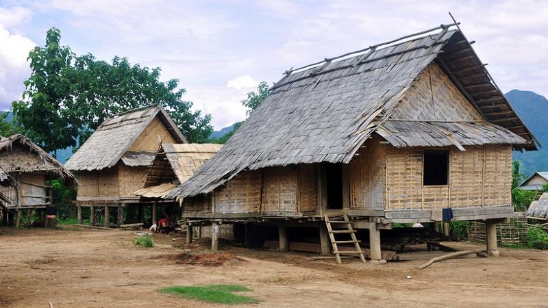 maison traditionnelle hmong