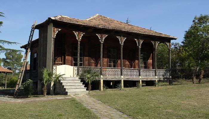 maison typique géorgie