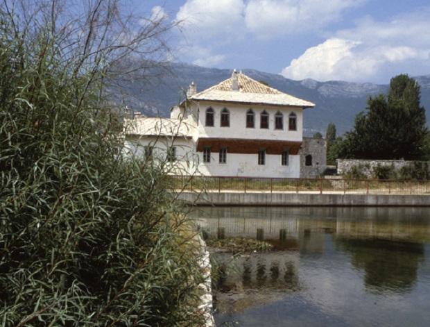 Maison traditionnelle en Bosnie