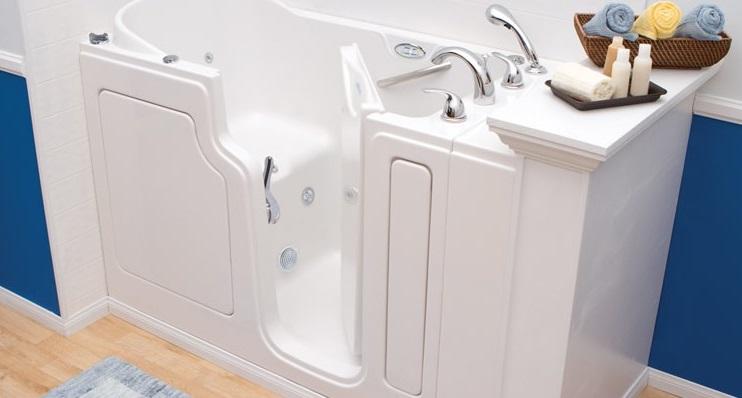 qu 39 est ce qu 39 une baignoire porte. Black Bedroom Furniture Sets. Home Design Ideas