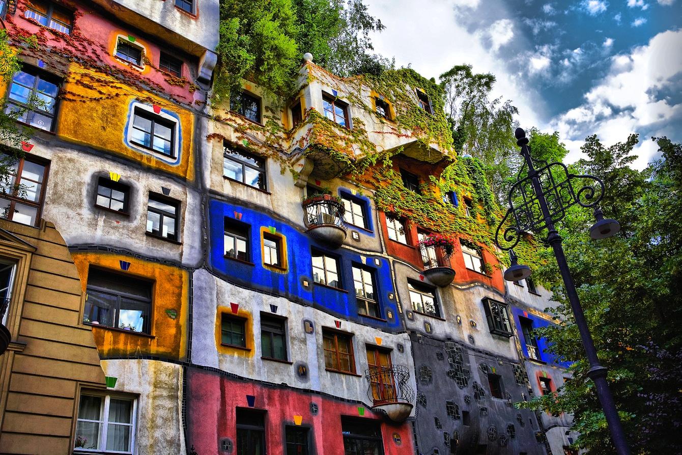 Hundertwasserhaus vienne for Hundertwasser architektur
