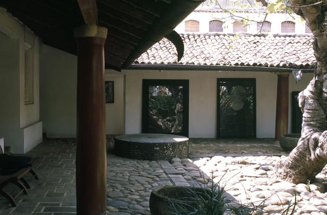 maison Ena de Silva