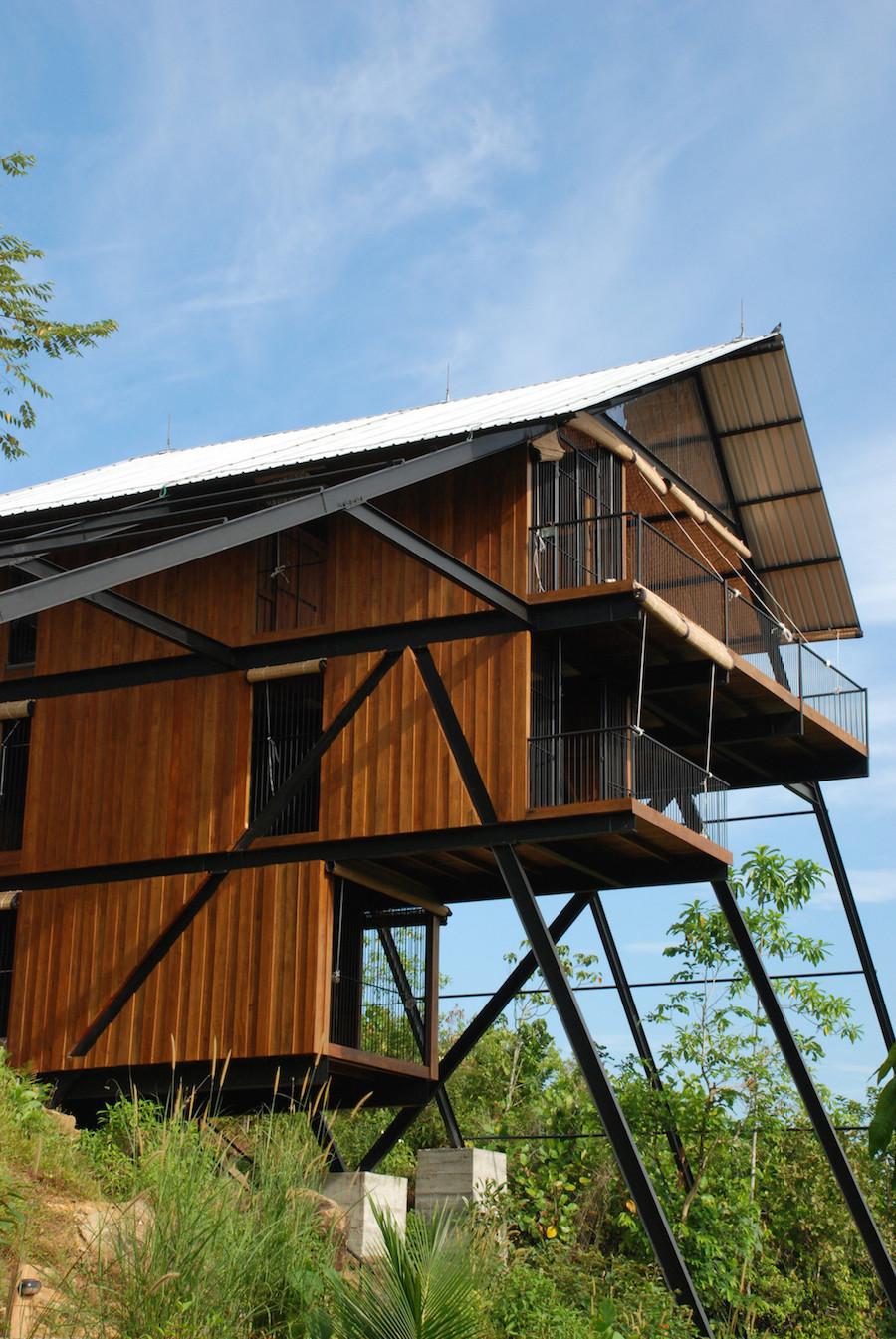 superbe bungalow en bois  u00e0 trois niveaux au sri lanka