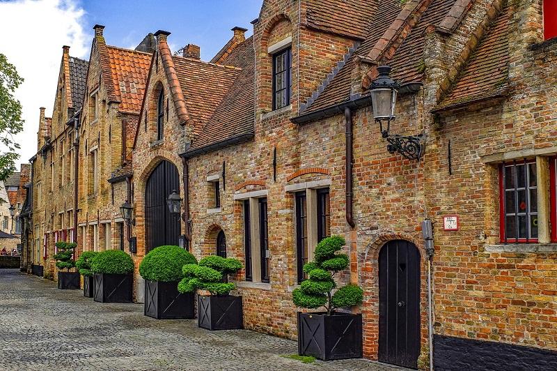 Bruges le charme du moyen age for Fachadas rusticas de piedra y ladrillo