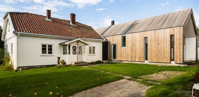 une ancienne ferme norv gienne tendue avec une structure. Black Bedroom Furniture Sets. Home Design Ideas