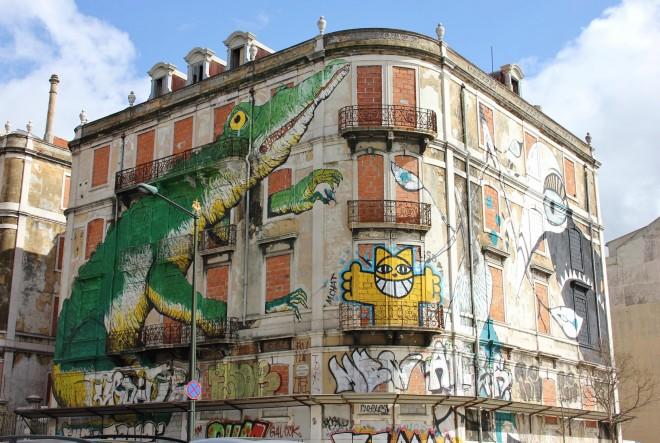 bâtiments mosaïque et art de rue Lisbonne