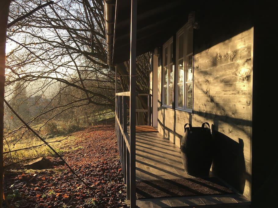 charmante petite maison en bois luxembourgeoise. Black Bedroom Furniture Sets. Home Design Ideas