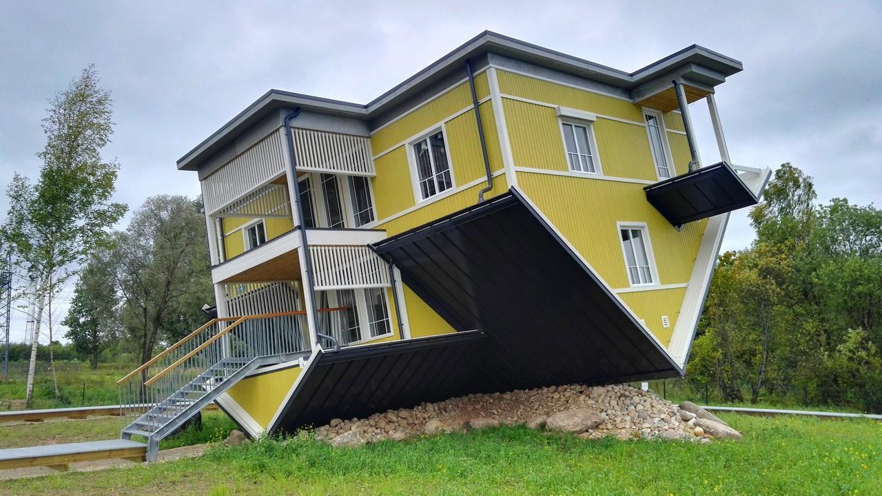 maison à l'envers estonie