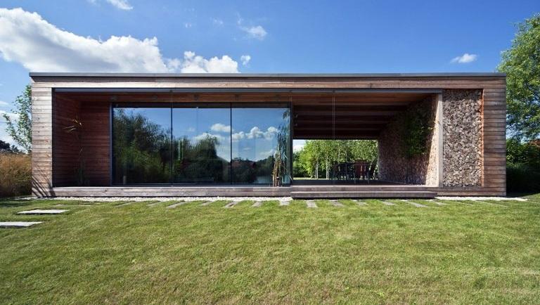 Maison au bord d 39 un lac de hongrie con ue pour tre une partie organique de son environnement - Maison de la hongrie paris ...