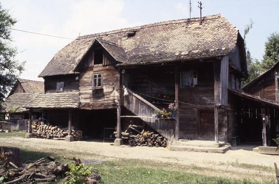 maison traditionnelle bois croatie
