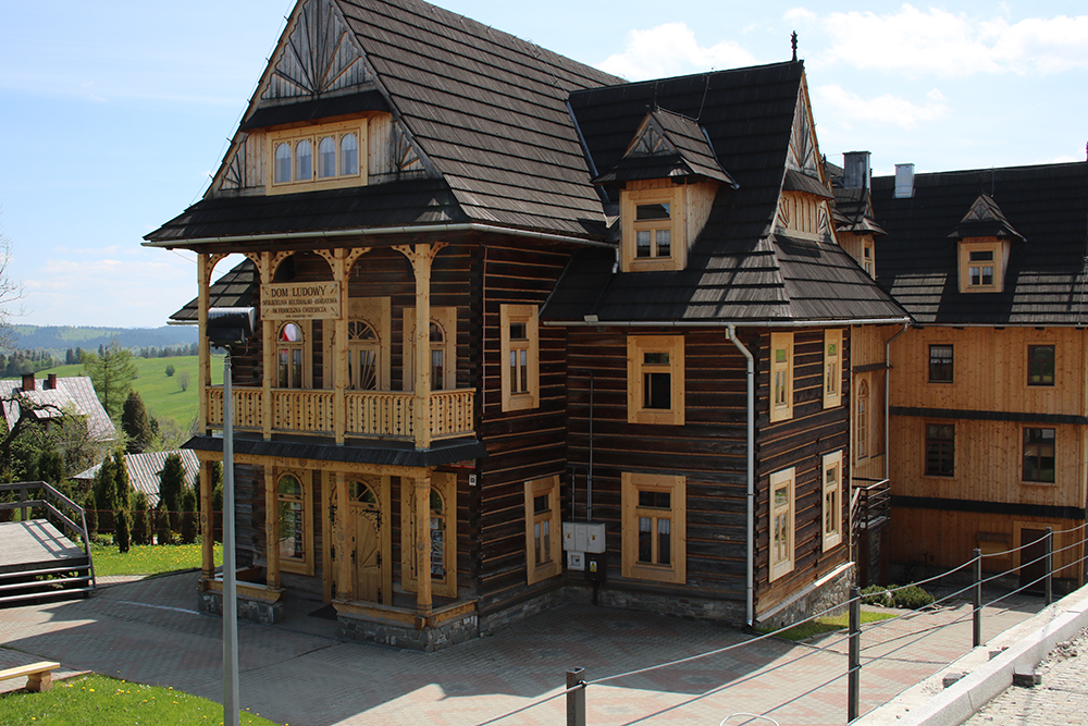 les tonnantes maisons en bois de zakopane. Black Bedroom Furniture Sets. Home Design Ideas