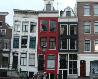 maisons penchées amsterdam