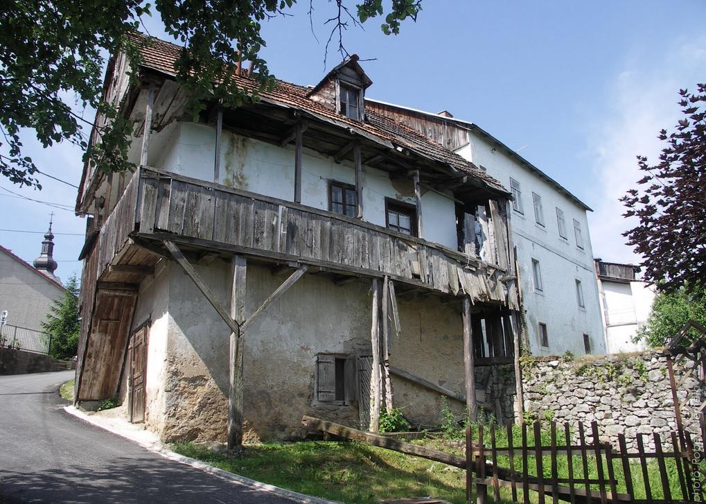 maisons traditionnelles Slunj