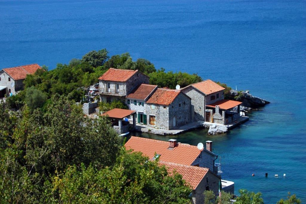 maison de pecheur montenegro