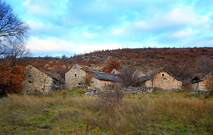 village fantôme Karanovac