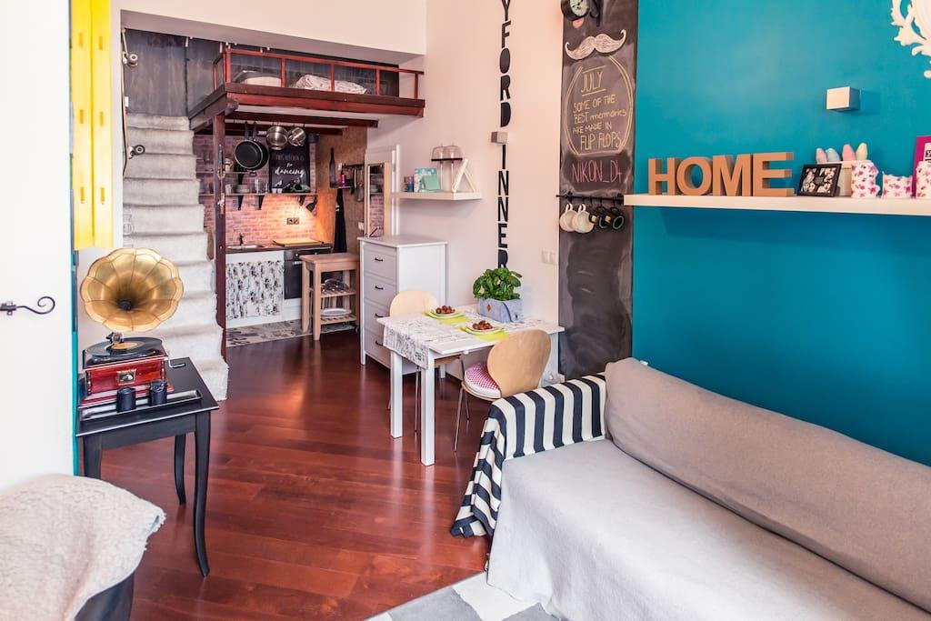 appartement vintage maribor. Black Bedroom Furniture Sets. Home Design Ideas