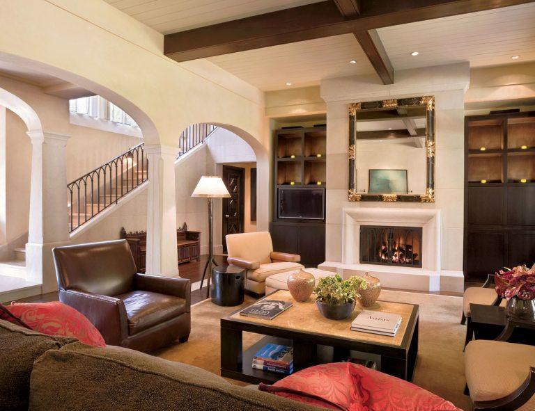 Maison de luxe de style colonial-espagnol au cœur du Texas