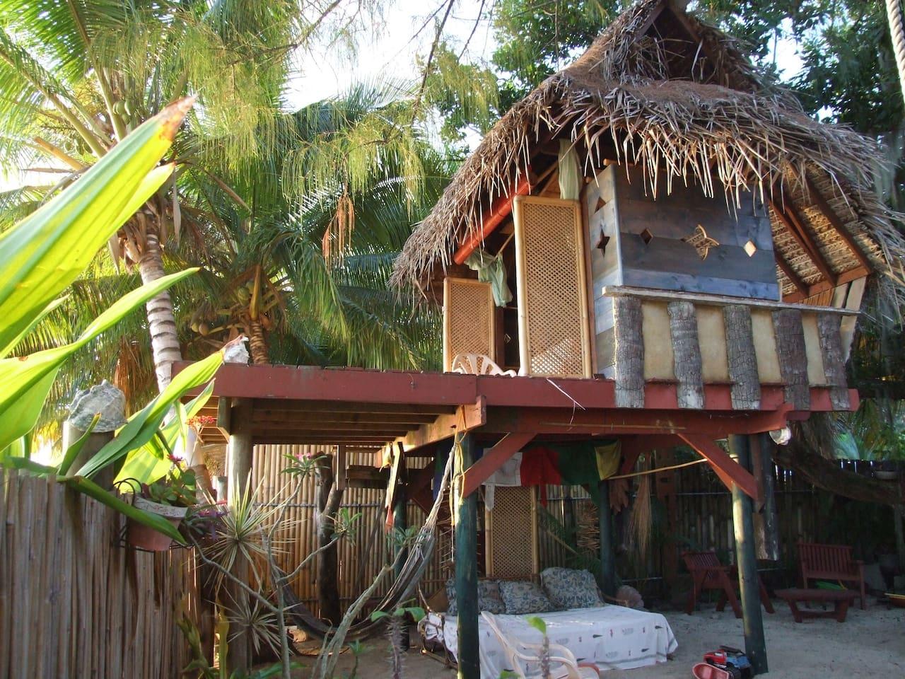 cabane sur pilotis à Punaauia
