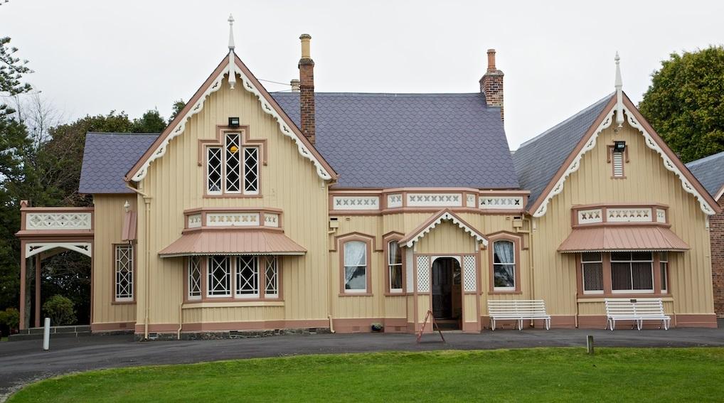 Highwic villa gothique du 19 me si cle auckland - La villa rahimona en nouvelle zelande ...