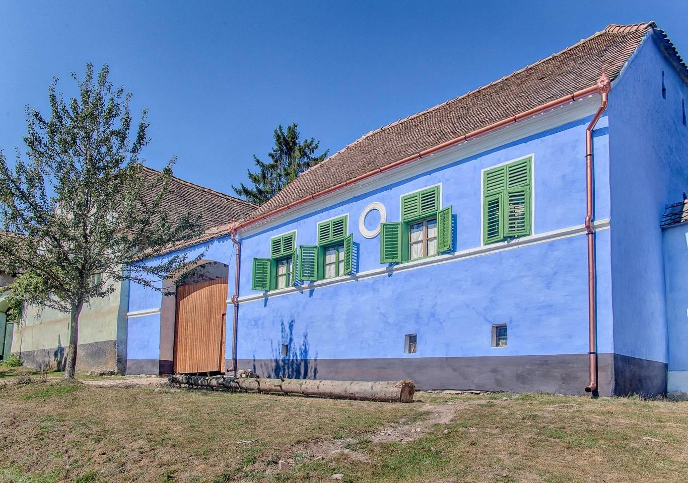 maison colorée à Viscri