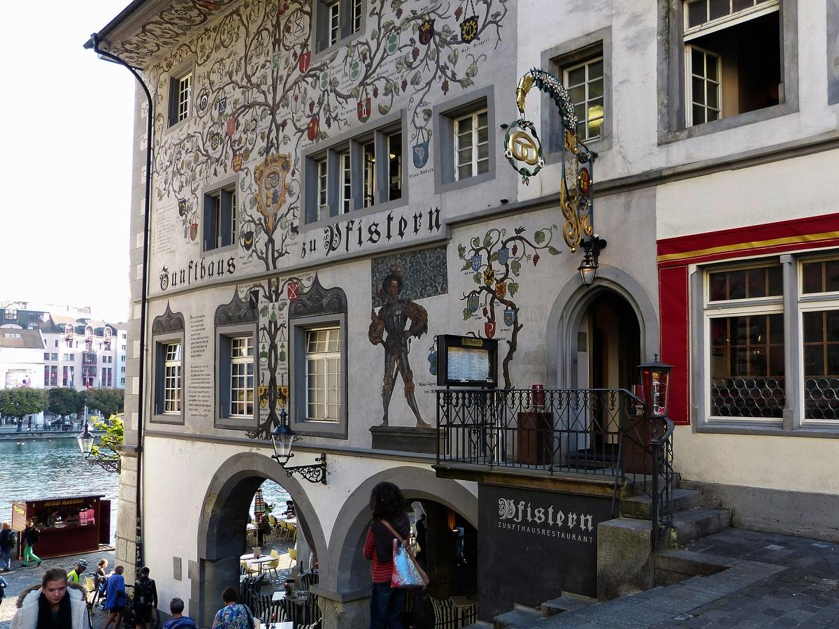 Couleur Façade Maison Ancienne les maisons peintes de lucerne