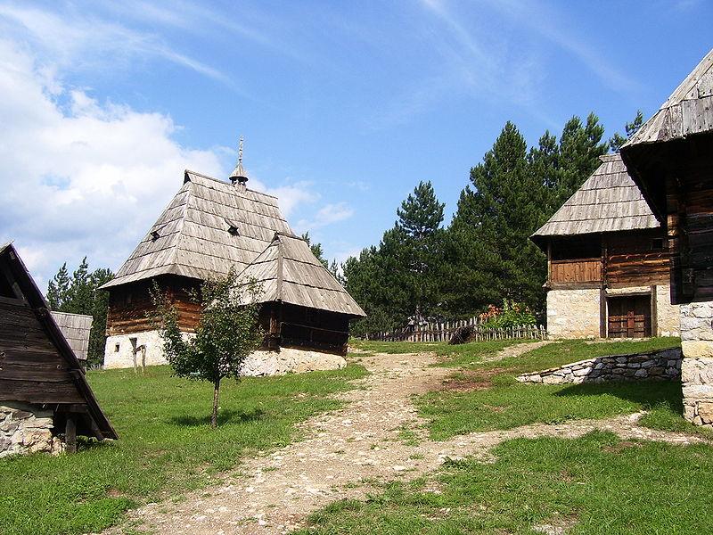 les maisons traditionnelles de zlatibor