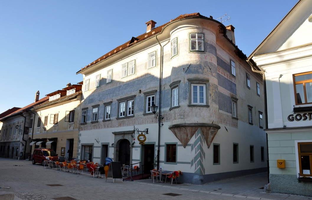 La vieille ville m di vale de radovljica for Auberge de la vieille maison