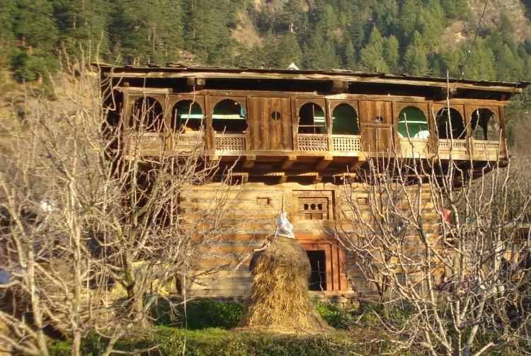 maison résistante aux seismes inde