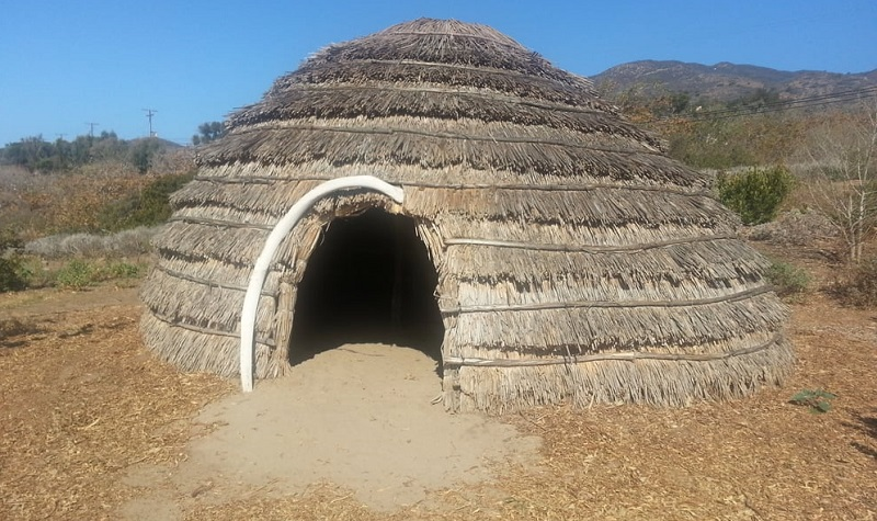 habitation amérindiens californie
