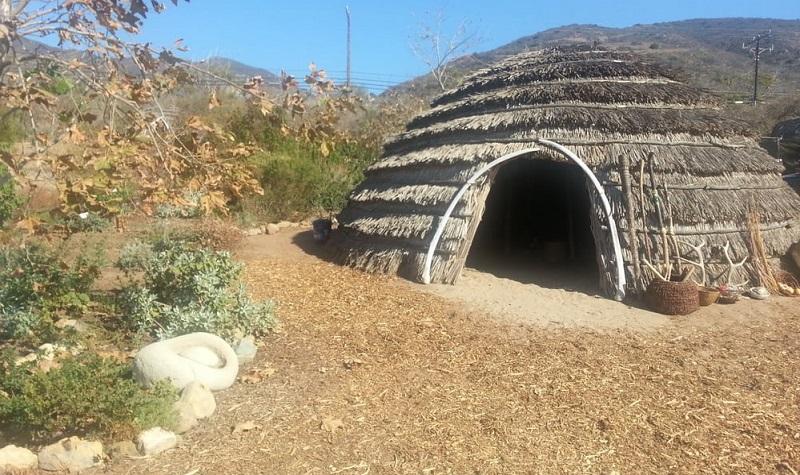 habitations amérindiens californie