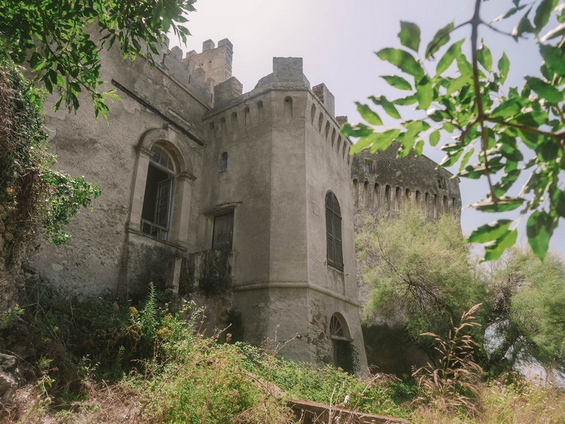 derrière chateau merlacce centuri