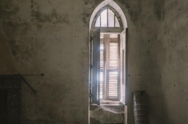 interieur chateau tour merlacce