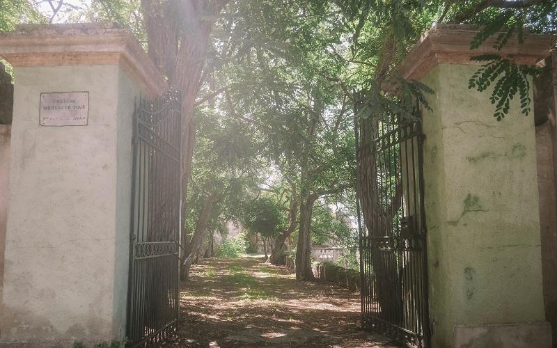 portail chateau merlacce
