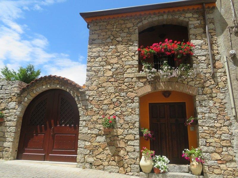 maison en pierre sardaigne