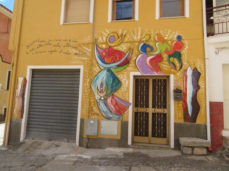 maison peinte orgosolo